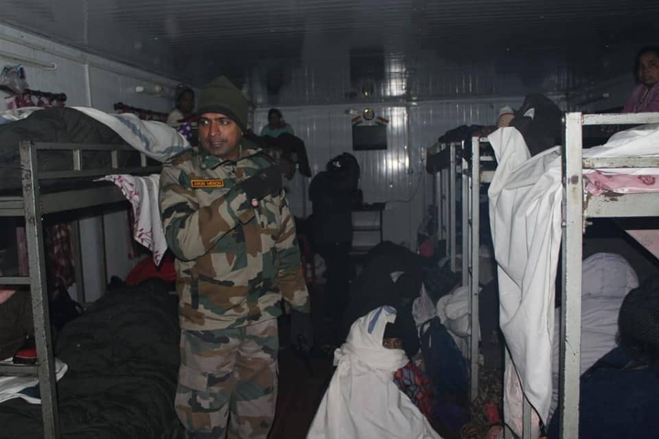 Jawans of our Indian Army slept outside in -9° to keep us warm - The