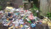 Street Garbage in Darjeeling